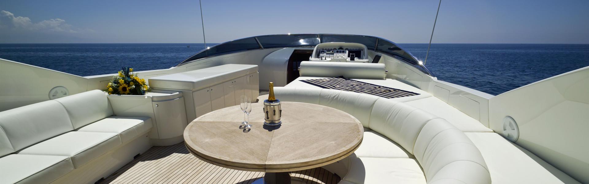 https://yacht-v1.oss-cn-shenzhen.aliyuncs.com/images/travels20200109/5e169ae9496f5.jpeg