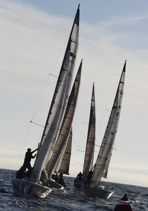 符拉迪沃斯托克杯帆船大赛开赛
